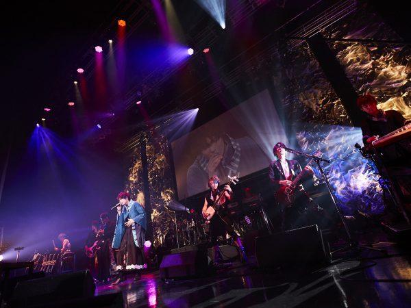 崎山つばさ『Premium Christmas Night UTOPIA』ライブレポート