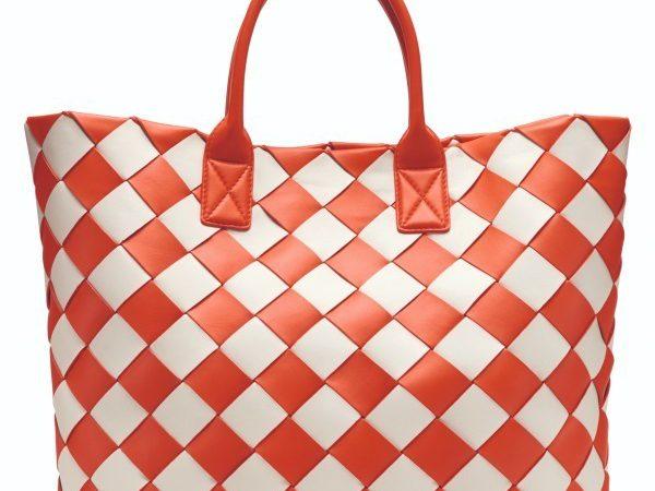 ボッテガ・ヴェネタの新作バッグ&メンズスニーカー
