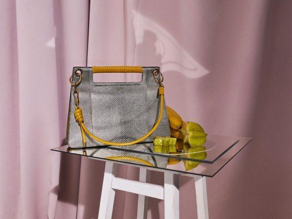 ジバンシィから、鞭に着想した編み込みハンドルの新作バッグ「ウィップ」