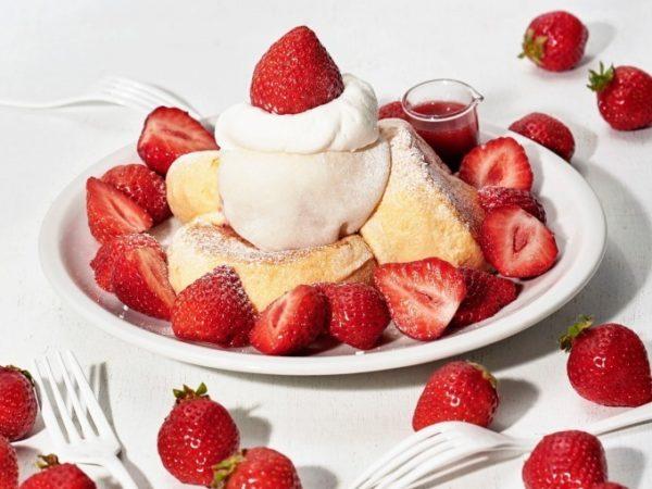 フリッパーズ「奇跡のパンケーキ あまおうのふわもち包み」