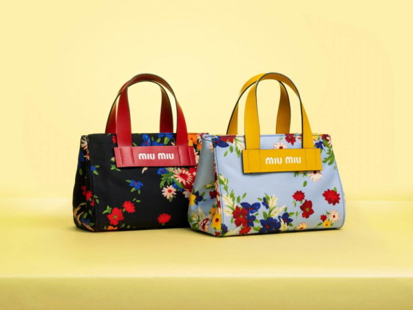 ミュウミュウの新作バッグ、日本限定トートバッグシリーズ「ミュウ エヴリウェア」