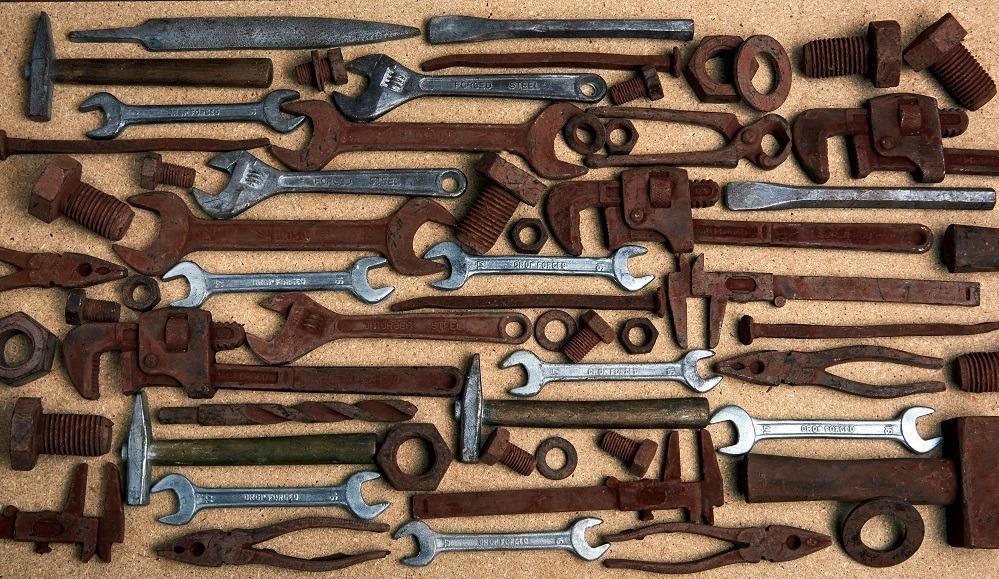 """英国発アメージング チョコレート ワークショップから、""""リアルな工具型チョコレート"""""""