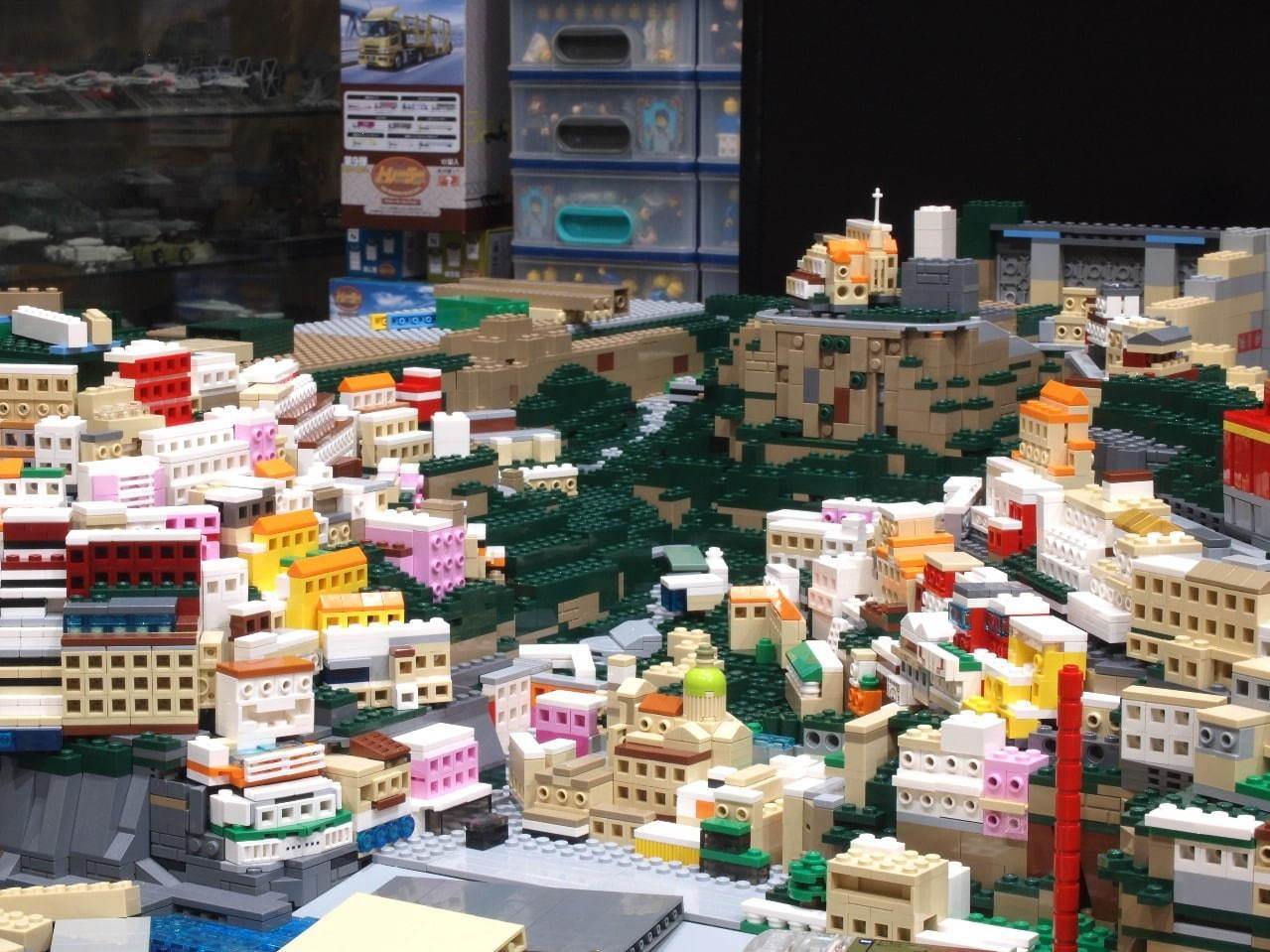 レゴブロックで作った世界遺産の企画展「PIECE OF PEACE」