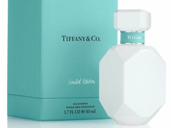 """ティファニーのフレグランス「ティファニー オードパルファム」から、つややかな""""純白""""の限定ボトル"""
