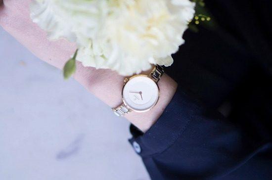 """デンマーク発「オバク」から、""""まるでジュエリー""""のような華奢ストラップの腕時計"""