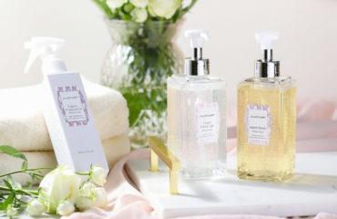 ジルスチュアート ビューティから、透明感溢れるピュアなホワイトフローラルの香りの新ライフスタイルアイテム