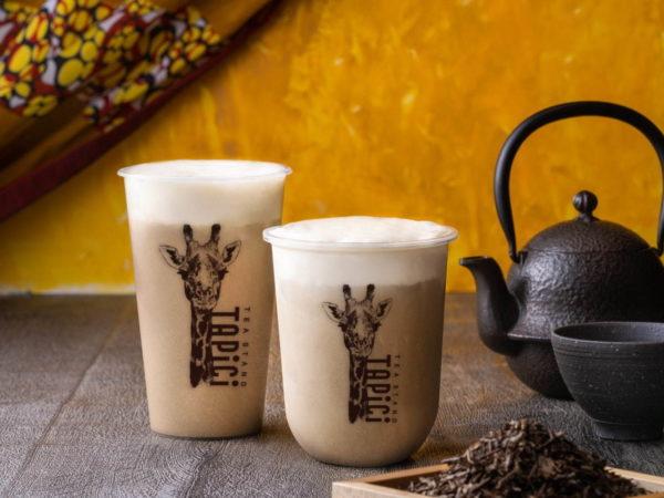 タピチ ティースタンドから、コク深いチーズミルクフォームを合わせた「ほうじ茶ミルク」