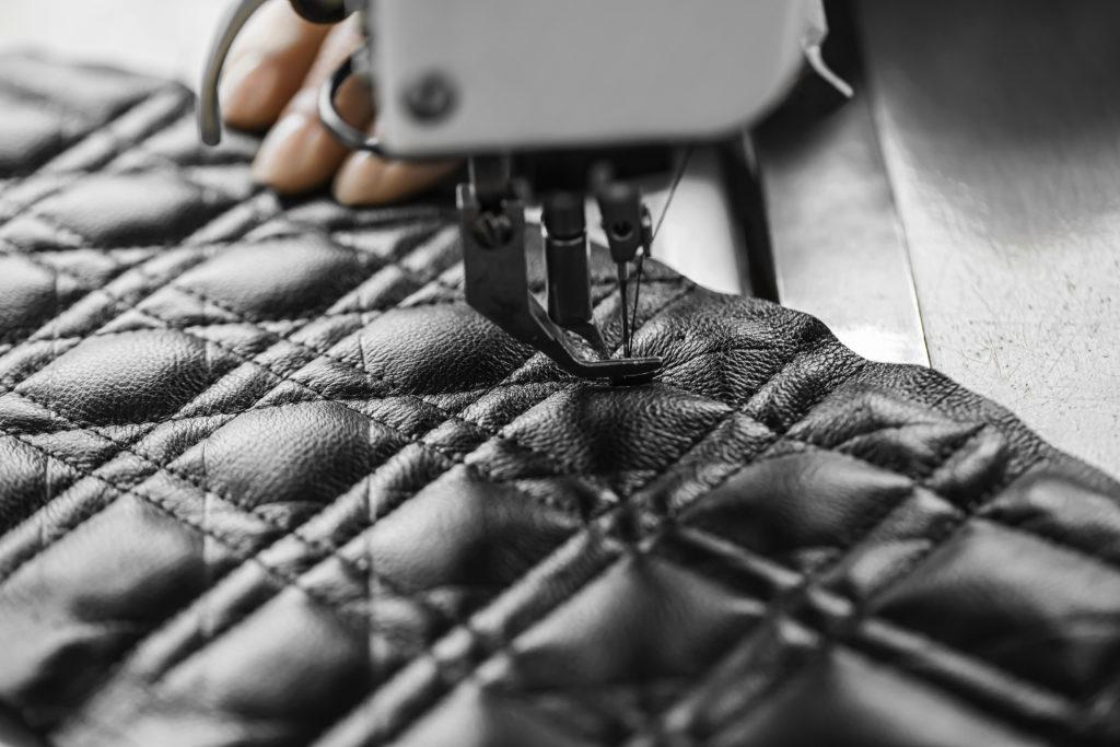 ディオールの2021クルーズ コレクションから、新作バッグ「Dior Caro」