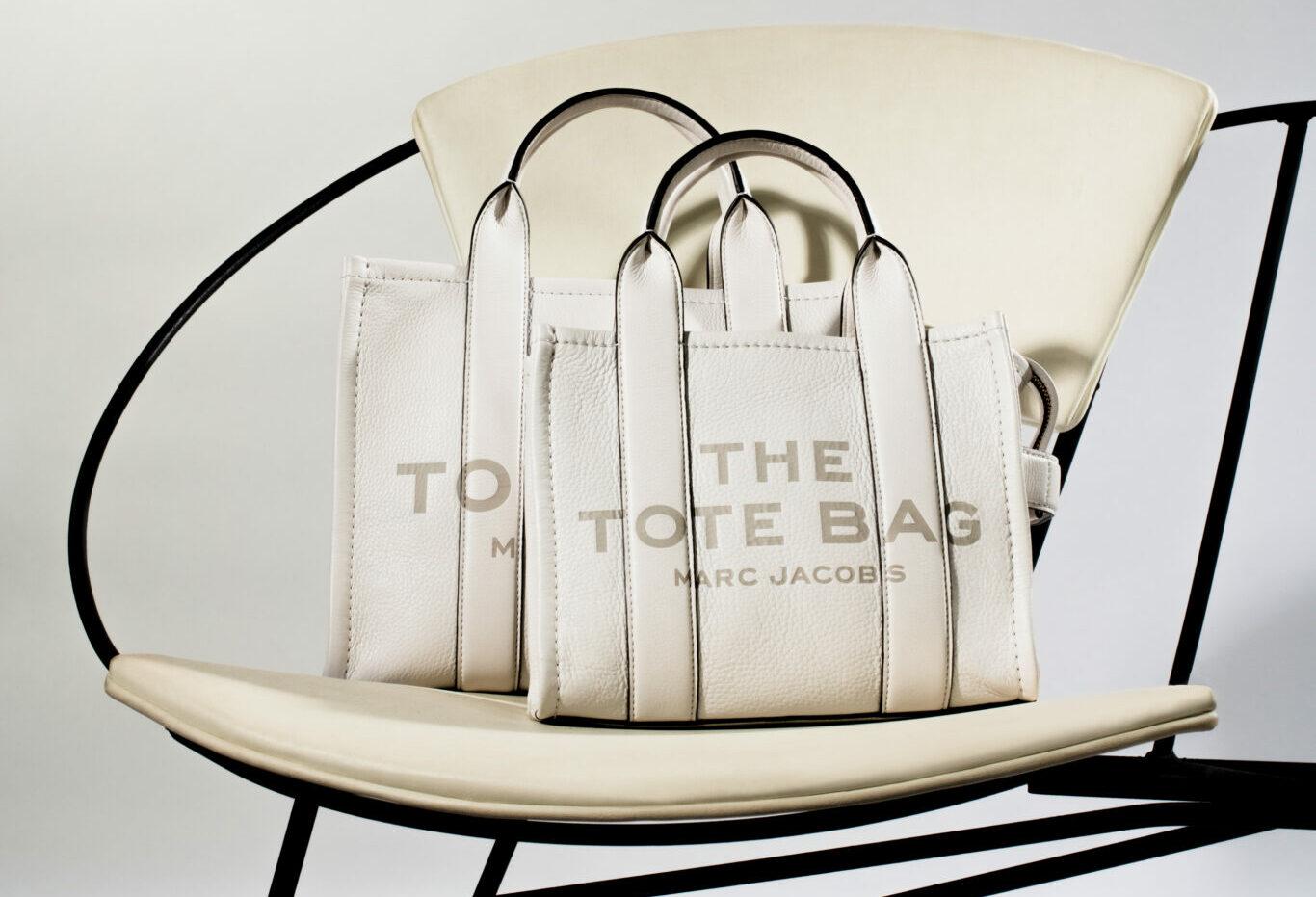 マーク ジェイコブスから、上質レザーとカラーリングが魅力の「THE LEATHER TOTE BAG」のスモールサイズ
