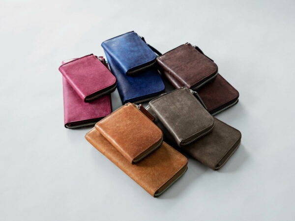 土屋鞄製造所から、夏カラーに仕上げた限定財布「ハンディLファスナー」と「マスターLファスナー」