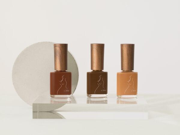 コスメティックブランド「rihka」から、肌をより綺麗にみせるネイルコレクション「skin by rihka」の新色